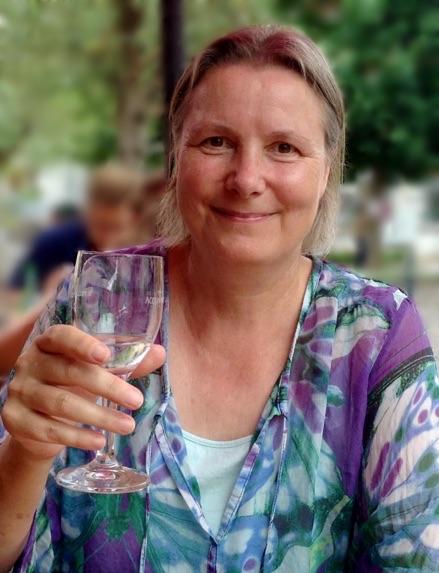 Pakhi, die Autorin von Ästhetisches Sterben - mit Lachen und Meditation